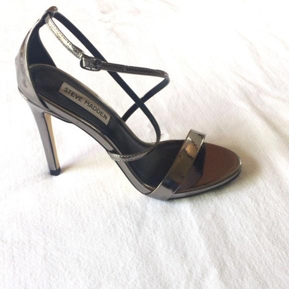 72a3f76c2a6 Steve Madden Women's Feliz Dress Sandal